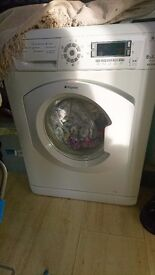 Hotpoint 8kg washing machine with digital display and childlock
