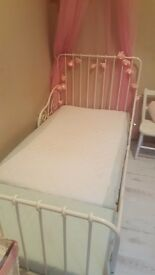 Etendable toddle bed