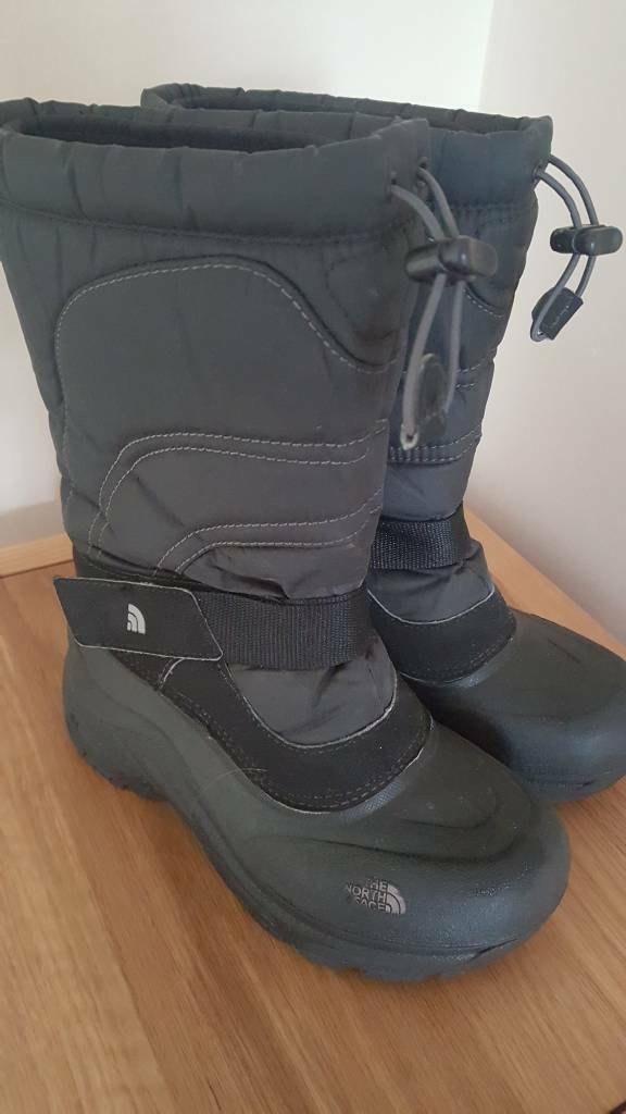 Child genuine North Face boots size 1