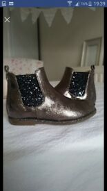 Baby girls sparkly bronze boots infant size 6 worn once only