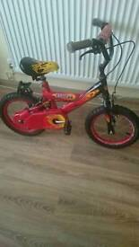 Bike with stabilisers