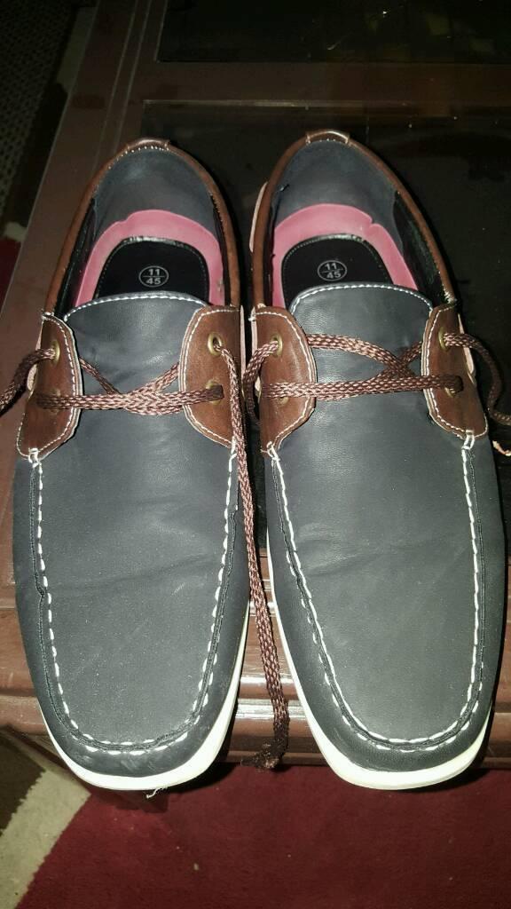 Mens size 11 shoes