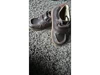 Boys 6.5 F Clarks boots