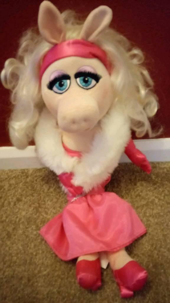 Disney Miss Piggy Plush soft toy.