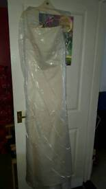 Size 16 beautiful ball gown/wedding dress