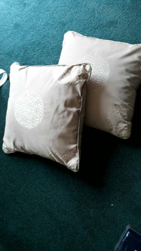 2 bedroom/lounge cushions