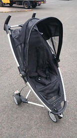 Quinny Zapp in Black with Raincover