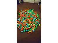 200 + Ball Pit / Pool Balls