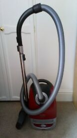 MIELE CAT AND DOG T5000 VACUUM CLEANER WITH ATTACHMENTS. 300 - 2200 WATTS