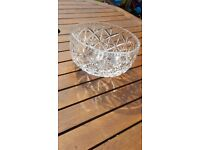 """LEAD CRYSTAL 7"""" BOWL QUITE DEEP FAIRLY HEAVY BEAUTIFUL PIECE VINTAGE RETRO COLLECTABLE"""