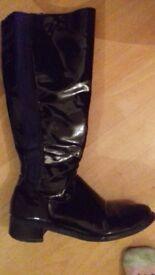 ladies size 5 black zip up boots