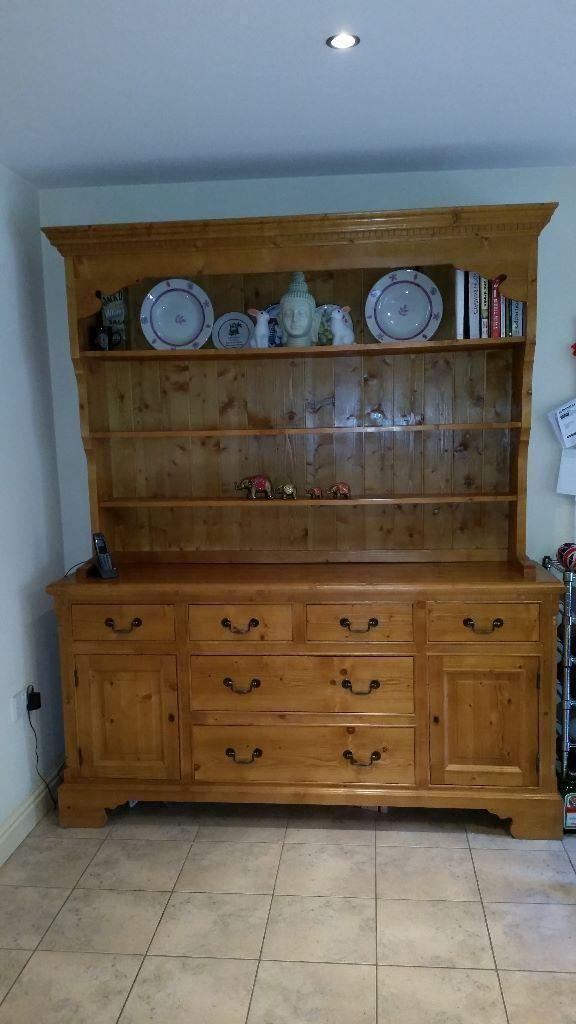 Pine Welsh Kitchen Dresser In Excellent Condition 2 Piece