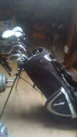Dunlop clubs and bag £80 ono
