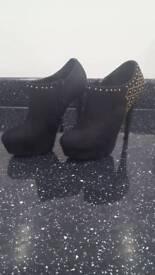 Classy black suede heels