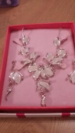 silver leaf with pink stone necklace & earring set costume jewellery