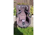 Maxi Cosi Axiss Car Seat - Grey - Excellent condition