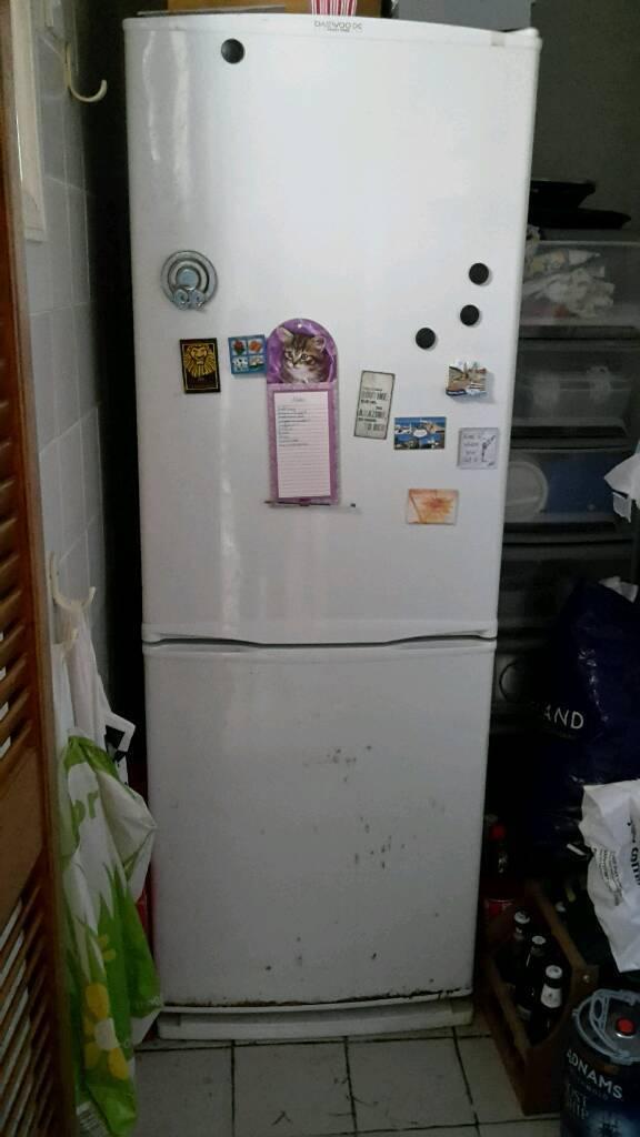 Daewoo frost free fridge freezer