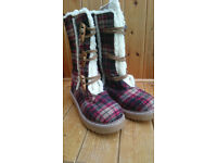 Rocket Dog Tartan Fur Lined Boots Size 7