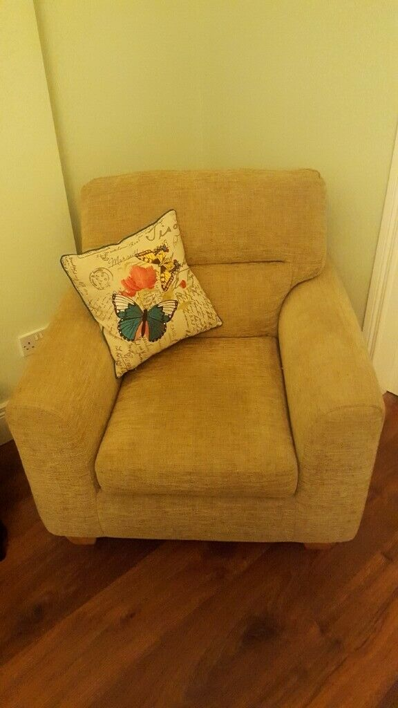 Three Seater Sofa For Sale 78 Long X 37 Depth Chair To