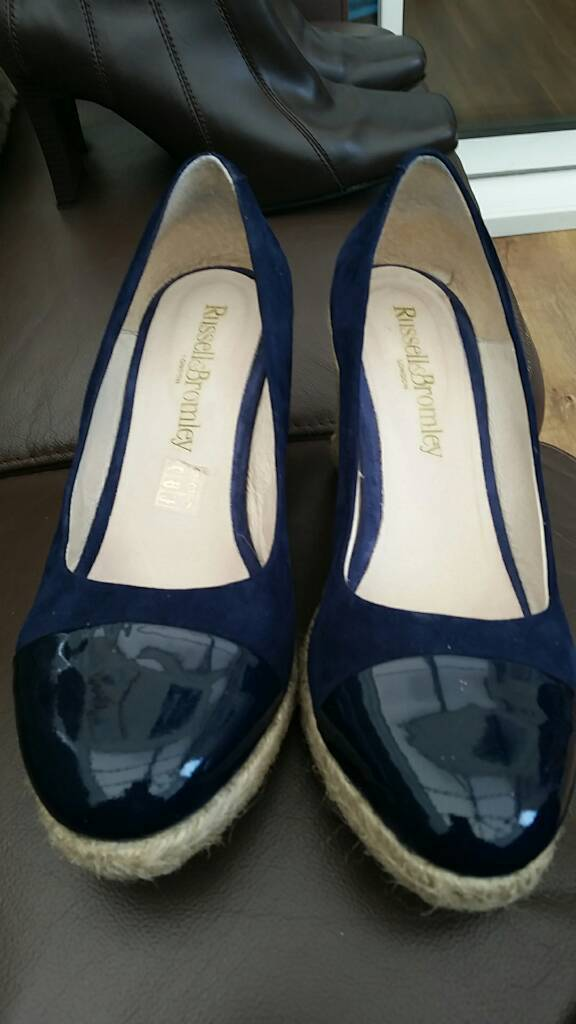 Shoes for salein Choppington, NorthumberlandGumtree - Russell and Bromley Coco pop shoe in navy size 8. Worn three times. Excellent condition. Paid 120.00