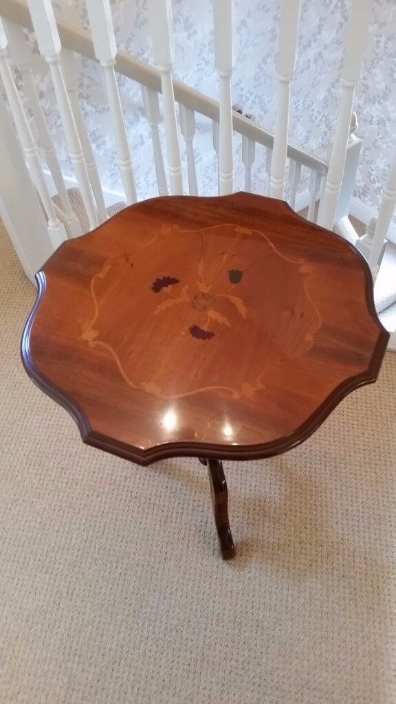 Polished inlaid drum table
