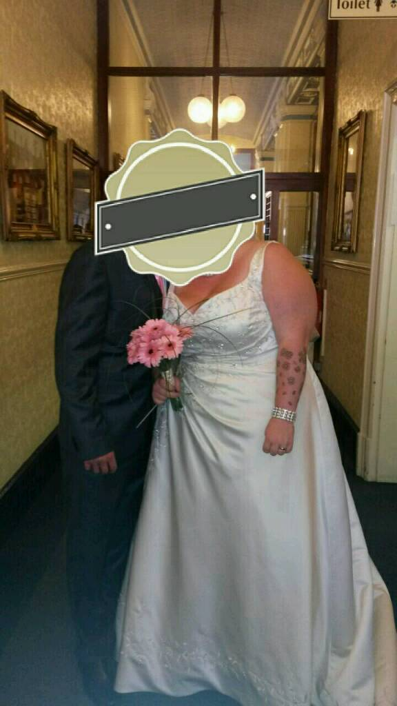 Beautiful wedding dress | in Stoke-on-Trent, Staffordshire | Gumtree