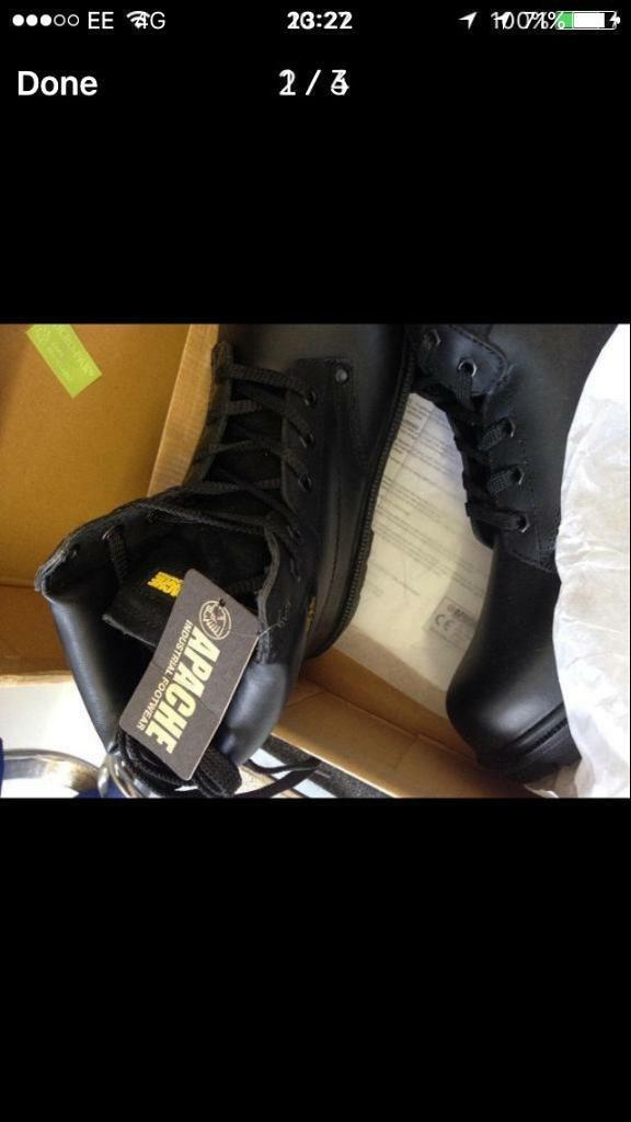 SIZE 10 BRAND NEW SAFETY BOOTS