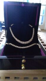 9ct Gold Matching Necklace And Bracelet Set