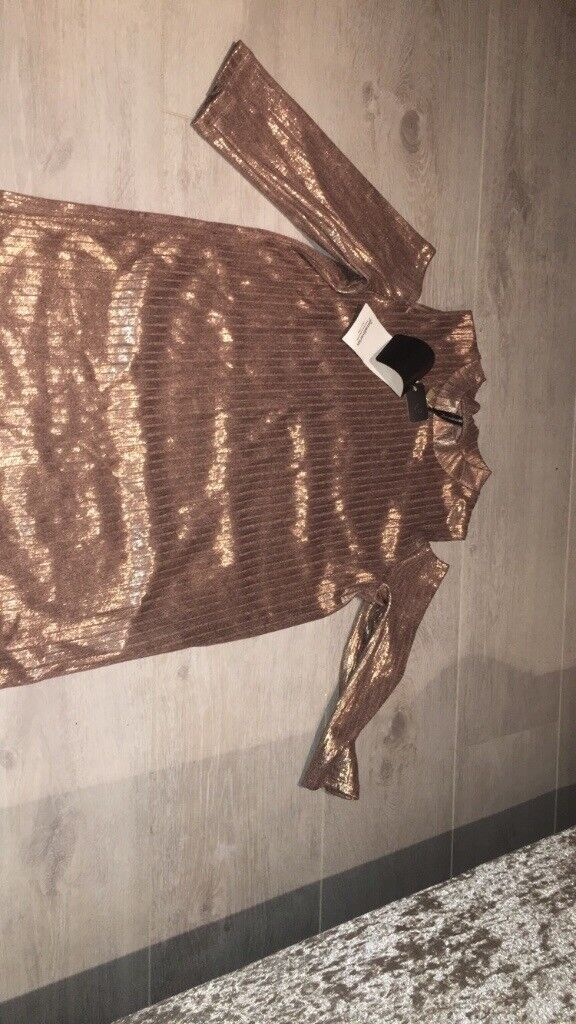 Rose gold top size 8