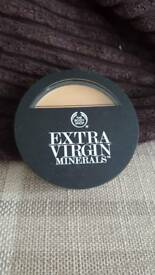 Body shop extra virgin minerals creme compact (golden beige)