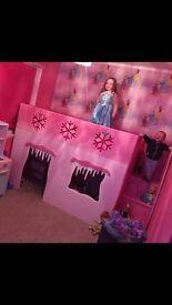 Gorgeous frozen girls bed