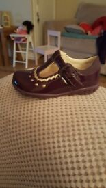 Girls clarks shoes (brand new)