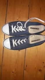 Ladies Converse shoes Size 5.5