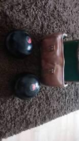 2 x Henselite championship lawn bowls
