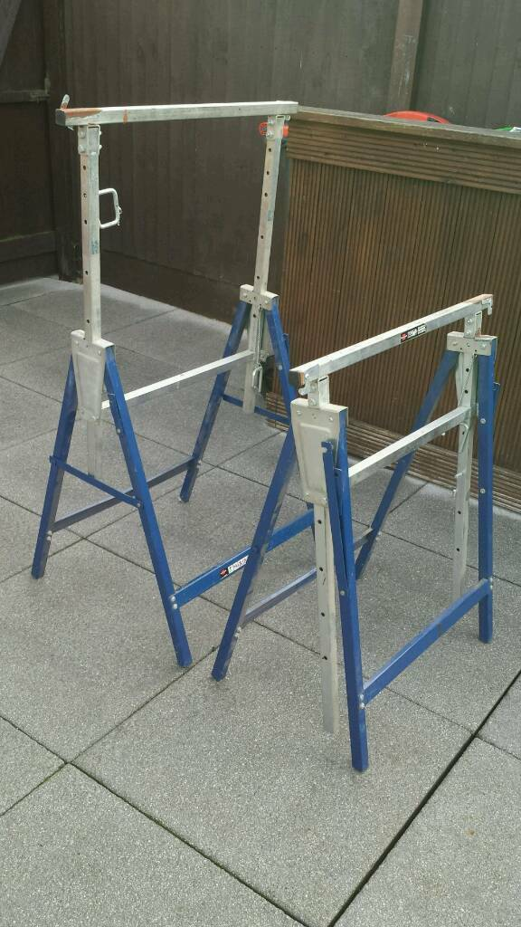 2 Adjustable steel tressils