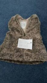 Young girls gilet