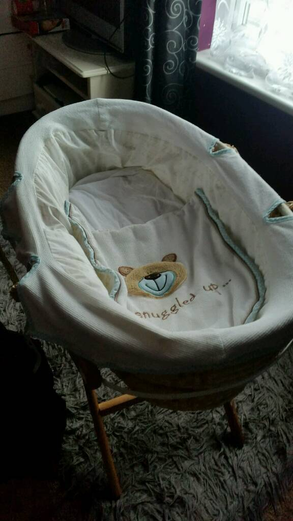Vgc blue moses basket and stand