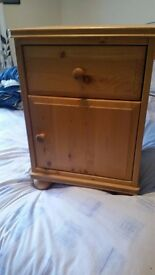 Two Pine Bedside Units