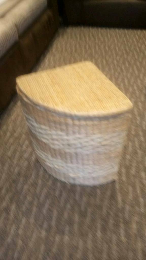 Wicker corner basket