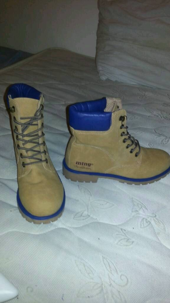 Women Bootsin Denton, ManchesterGumtree - Women mustang boots (size 5) collection only