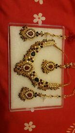 jewellery set with bangles