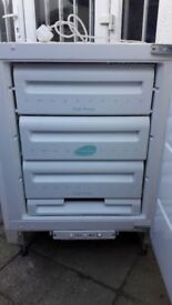 **INTEGRATED UNDERCOUNTER FREEZER**ONLY £40**FULLY WORKING**COLLECTION\DELIVERY**BARGAIN**