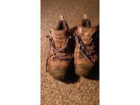 Merrells vibram : walking shoes size 8