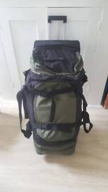 Large suitcase/holdall with wheels