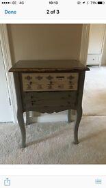 Stunning shabby chic chest of drawers brand new