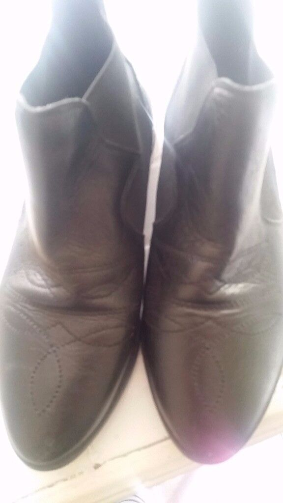 Womens topshop chelsea boots size 6