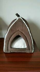 Cat or small dog bed ( igloo )