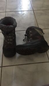 Columbia girls winter boots