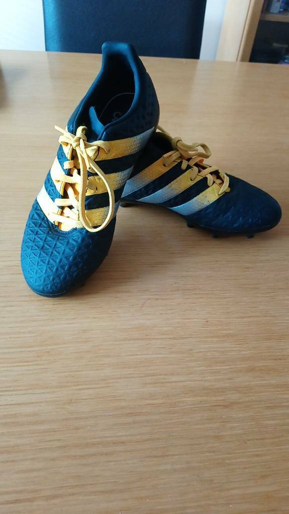 REDUCED Adidas moulded studs, UK size 2