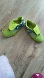 Boys footie training trainers